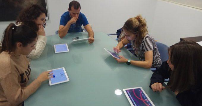 El Colegio Oficial de Terapeutas Ocupacionales de Extremadura (COPTOEX) revisa los juegos de Euroage